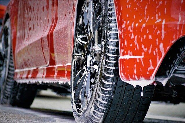 Auto waschen, polieren